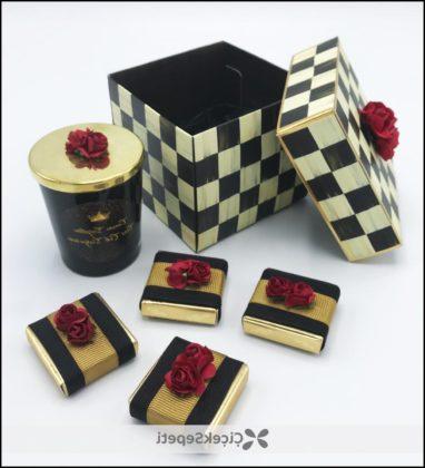 Sevgiliye Damalı Kutuda Romantik Mumlu Çikolatalar